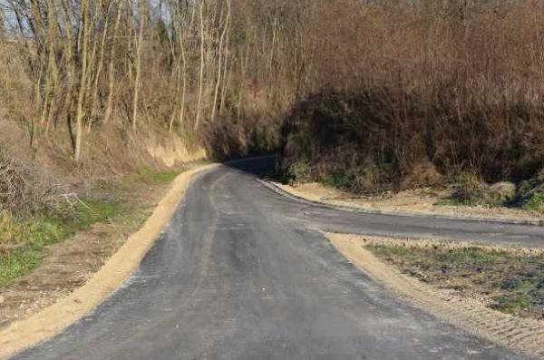 Droga w Starym Korczynie