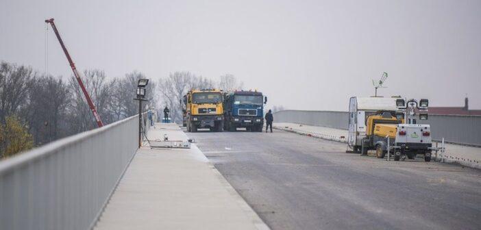Most przeszedł próby obciążeniowe. Kiedy wielkie otwarcie?
